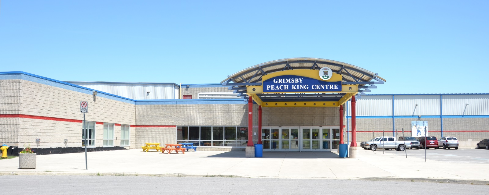 Front of the Grimsby Peach King Centre